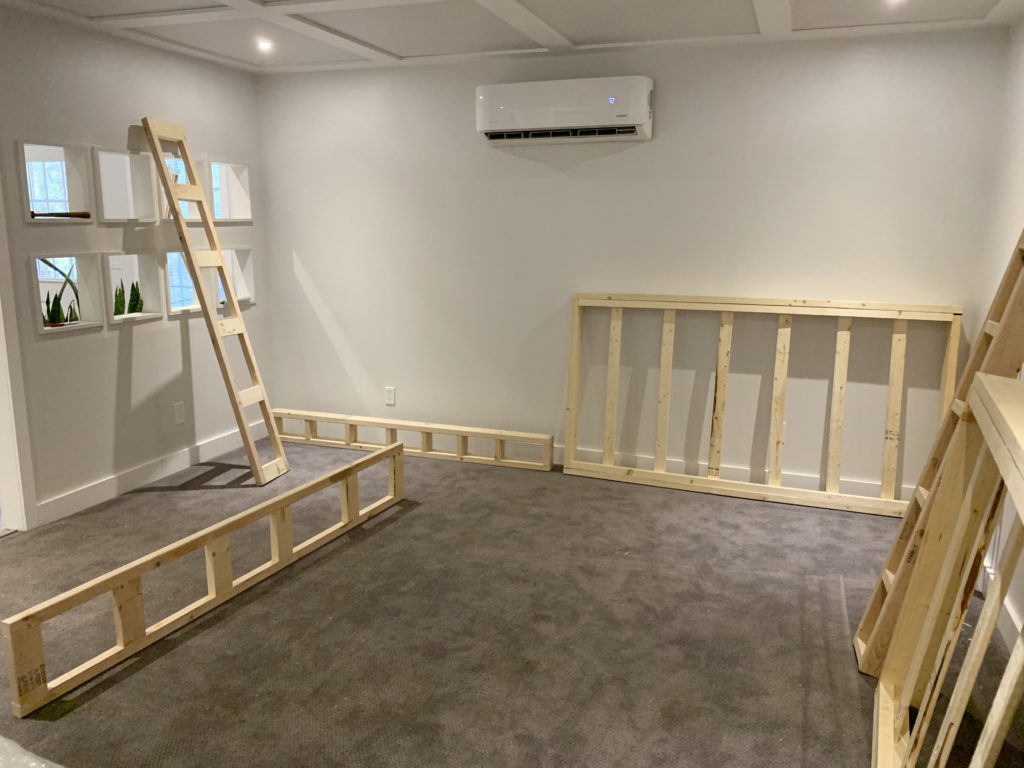 Picture of: Simple Stylish Diy Murphy Beds Renovation Semi Pros